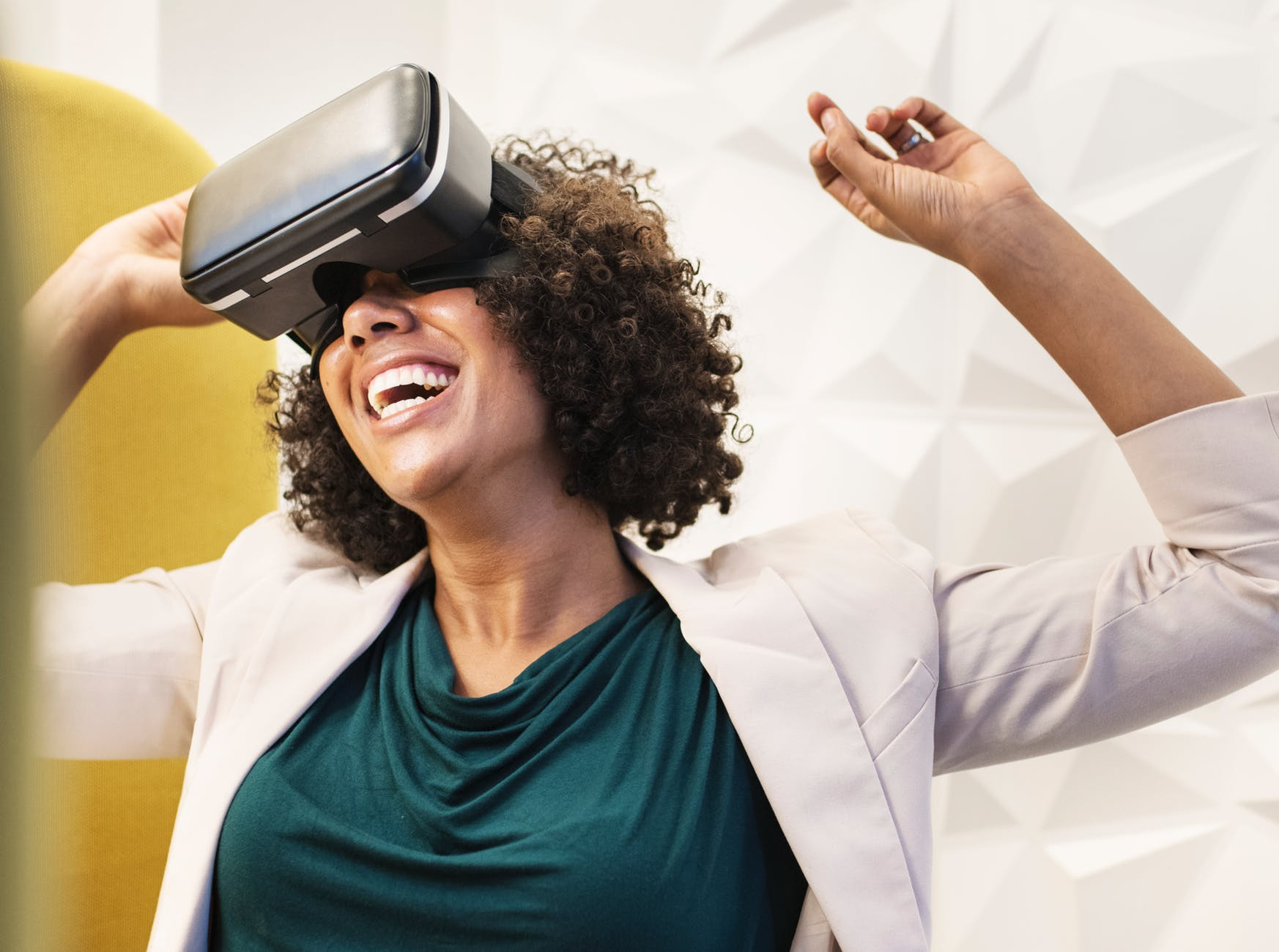 Image of a person wearing a VR headset, illustrating UX in financial marketing